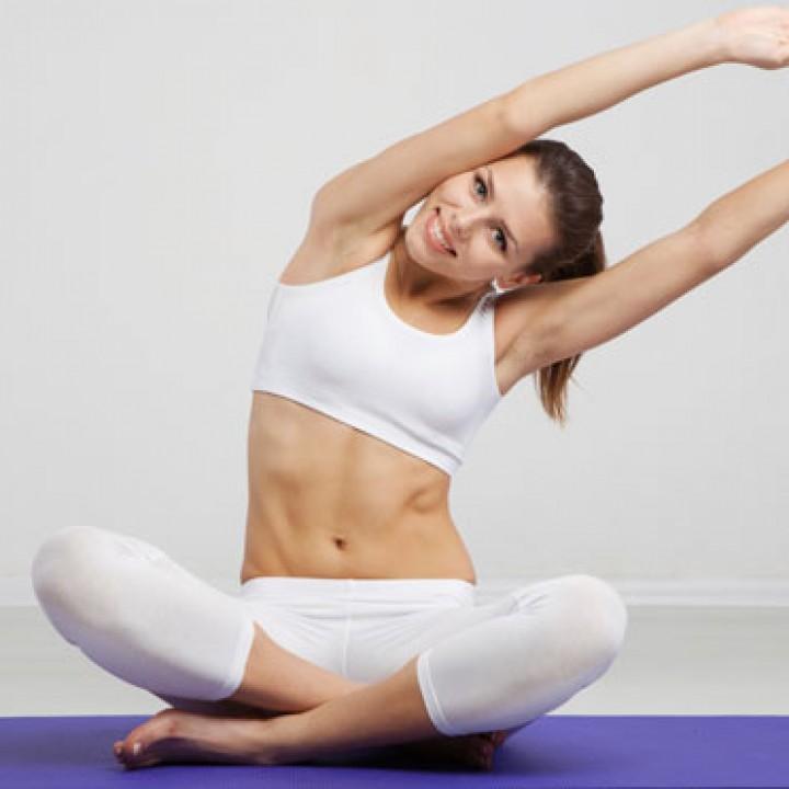 mulher-alongamento-exercicio-fisico